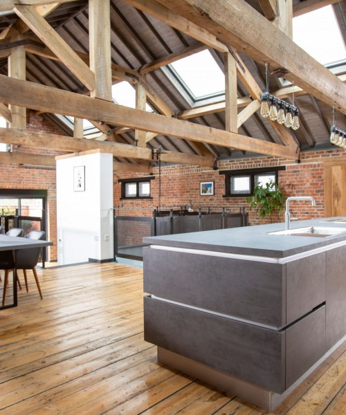 Dramatic Industrial Conversion- Erica & Michael Hammill