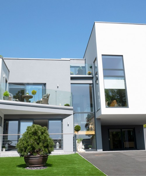 Iga Panczyna  & Sean Hynds – Allan Corfield Architects – Contemporary Self Build
